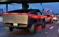 Tesla Cybertruck Los Angeles    Caddelerinde görüntülendi