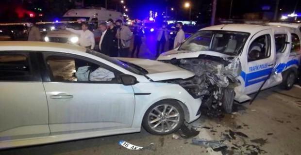 Bursa'da alkollü sürücü dehşet yaşattı 2'si polis 4 yaralı