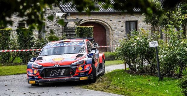 WRC Ypres Rallisi'ni Neuville kendi bahçesinde kazandı