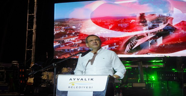 AYVALIK'ta 30 Ağustos Zafer Bayramı Coşkuyla kutlandı