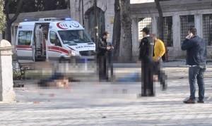 Sultanahmet Meydanı'nda patlama'da Ölü ve yaralılar var