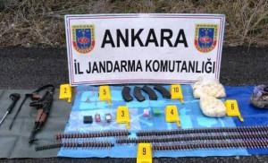 Ankara'da yol kenarında bulunan mühimmat