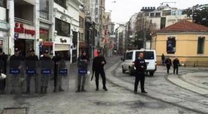 İstiklal Caddesi'nde canlı bomba. Ölü ve yaralılar var.