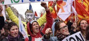 Paris'te İş Kanunu karşıtları 500 bin kişi sokağa çıktı