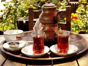 Tiryakilerini üzecek haber çay ve kahve o kadar masum bir içecekler değil !