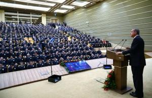 cumhurbaskani-erdogan-polislerle-bulustu