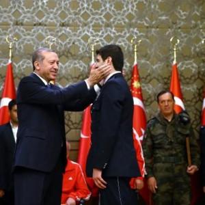 cumhurbaskani-erdogan-ya-bas-egeceksiniz-ya-bas-vereceksiniz-bu-vatanda-946908