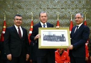 cumhurbaskani-erdogan-ya-bas-egeceksiniz-ya-bas-vereceksiniz-bu-vatanda-946910