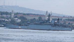 Boğaz'dan geçen Rus Savaş gemisindeki ayrıntı