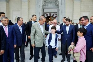 cumhurbaskani-erdogan-bayram-namazini-mimar-sinan-camii-002