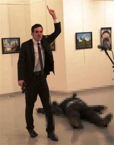 Rusya'nın Ankara Büyükelçisi Andrey Karlov'a Suikast