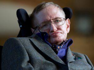 Stephen Hawking İnsanlığın 100 Yılı Kaldı