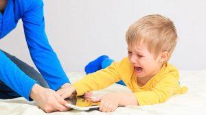 Çocukların Akıllı Telefonları Kullanım Süresini Kısıtlayacak Bir Yazılım Geliştirilmesi Çağrısı