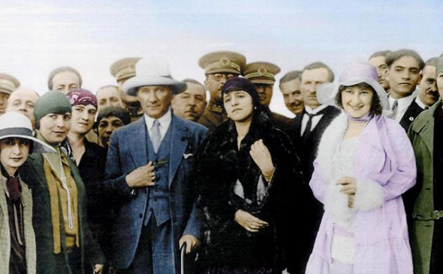 Zamanın Ötesinden Geleceğe: Kadınlar ve Değişen Roller