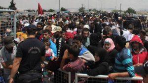 Bayramı Ülkelerinde Geçirmek İsteyen Suriyeliler Sınırda İzdihama Neden Oldu