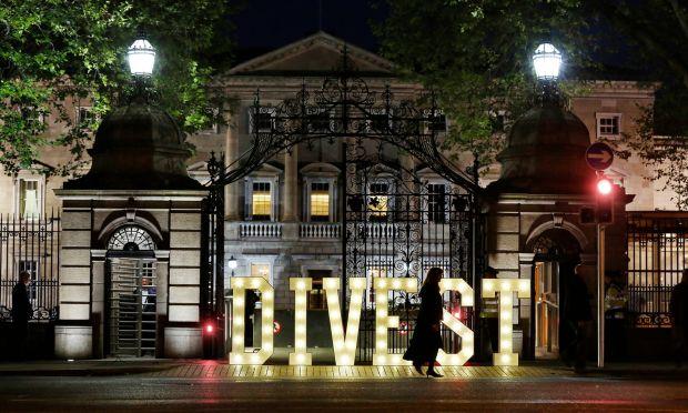 Dünyada İlk: İrlanda Fosil Yakıtlara Yatırımı Terk Ediyor
