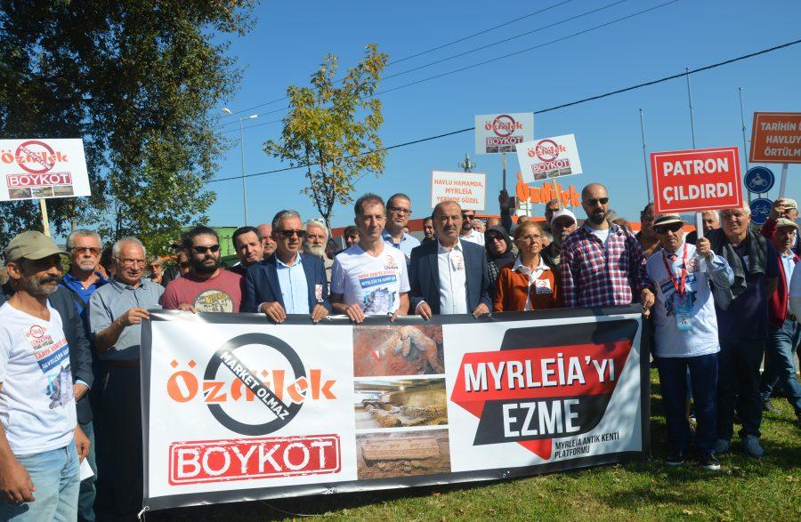 Bursa'da Myrleia Antik Kenti için AVM'ye Yönelik Protesto