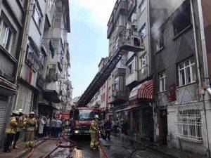 Yangın'da mahsur kalan 4'ü çocuk 8 kişi ve Gonzalez' isimli kedi de kurtarıldı