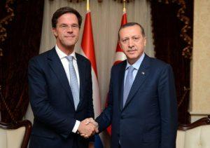 """Hollanda Hükümeti Ülkelerinde Açılması Planlanan Türk Okullarını """"Endişe Verici"""" Buluyor"""