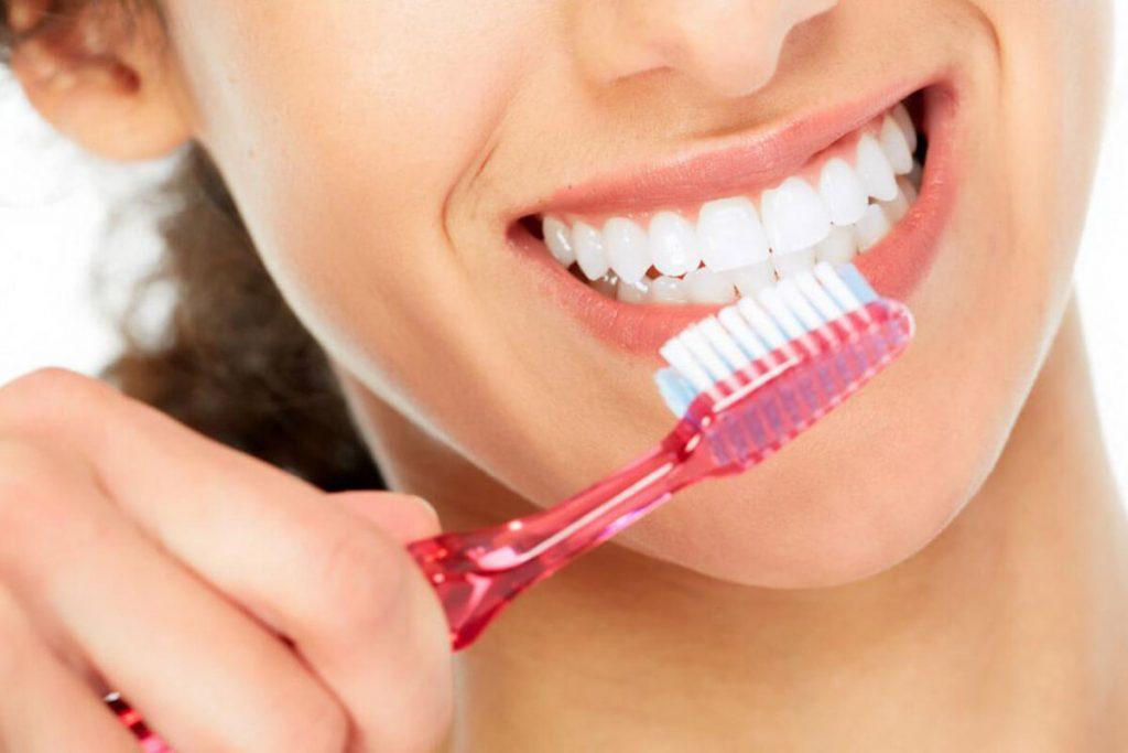 Diş Eti Hastalığına Yol Açan Bakteri İle Demans Arasında Bağlantı Bulundu
