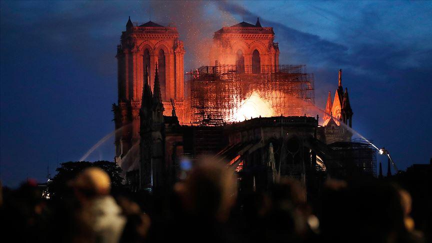 850 Yıllık Tarihin Kül Oluşu: Notre Dame Katedrali