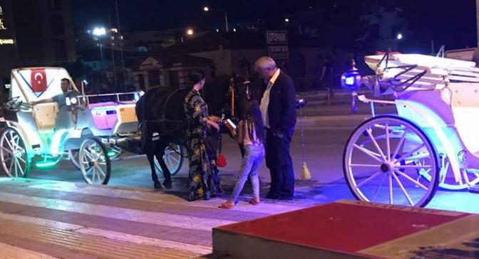 Kuşadası Belediyesi Faytonları Yasakladı, Sıra Tüm Türkiye'de