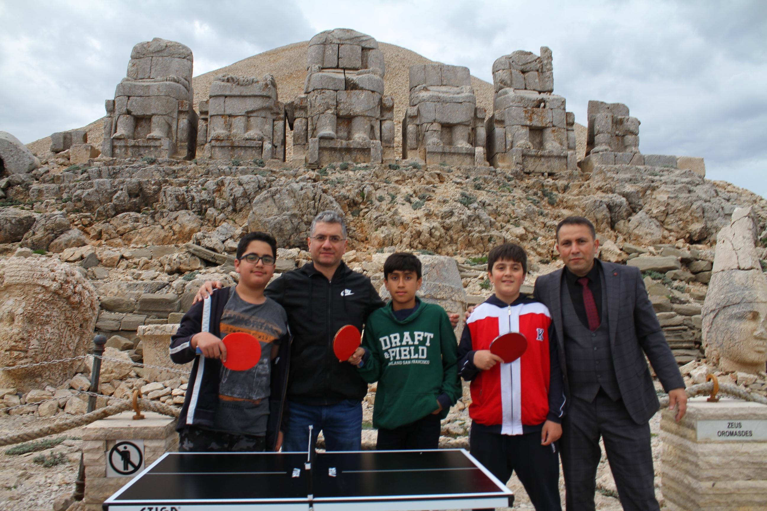 Kraliyetler Tahtı Masa Tenisi ile onurlandı