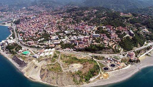 Karadeniz Kıyısında Çöp Dağları Tehlike Saçıyor