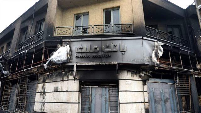İran'dan Tehdit Kırmızı  Çizgilerimizi Aşarsanız Sizi  Yok Ederiz