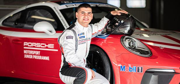 Ayhancan yılın genç sürücüsü seçildi