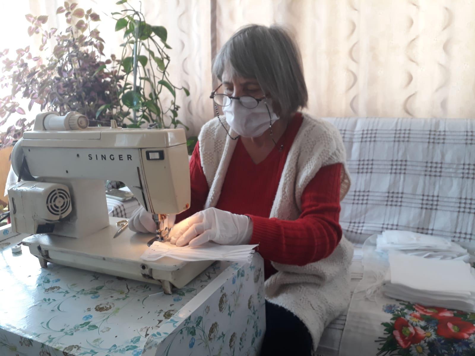 Ayvalık'ta Kadınlar Maske Dikimi İçin Seferber Oldu