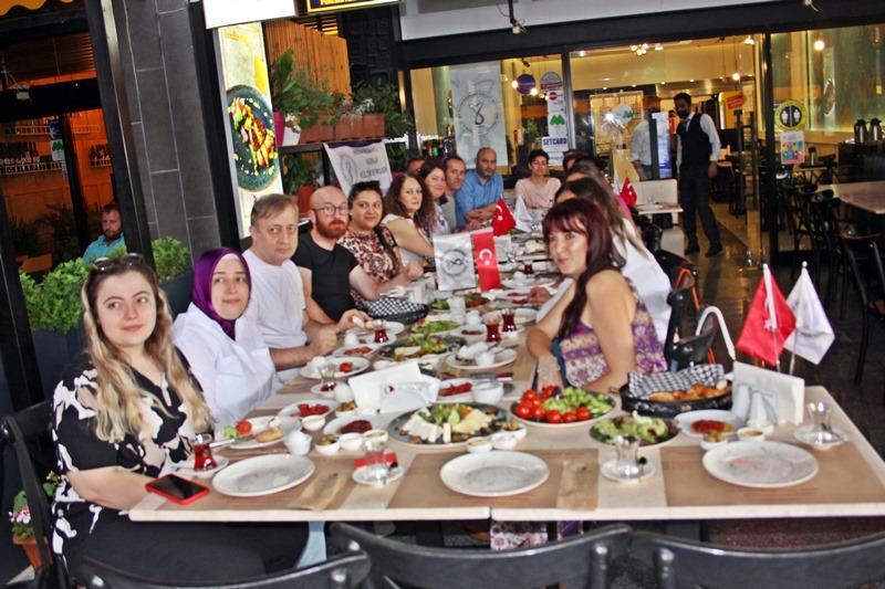 Hayata Değer Katan Kadınlar Kahvaltıda Buluştu